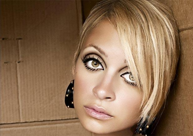Nicole Richie con il suo bel cut crease