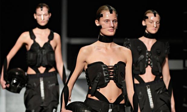 Una sfilata di Alexsander Wang per H&M