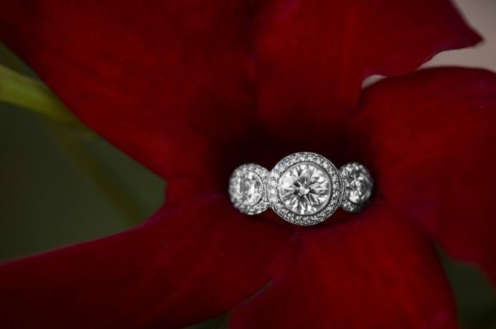 guida-scelta-anello-fidanzamento-diamanti