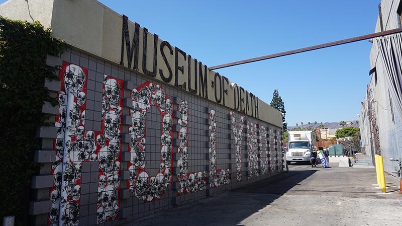 Esterno del Museo della Morte di Los Angeles