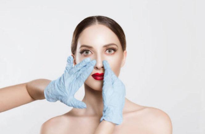 Rifarsi il naso: pro e contro