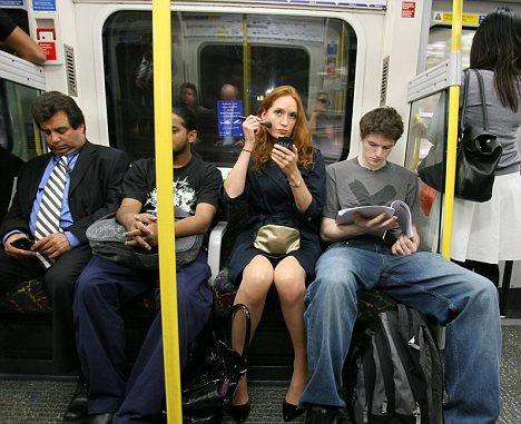 Truccarsi sui mezzi pubblici