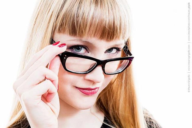 trucco-occhiali-montatura